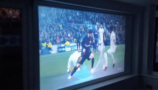 projector screen blind